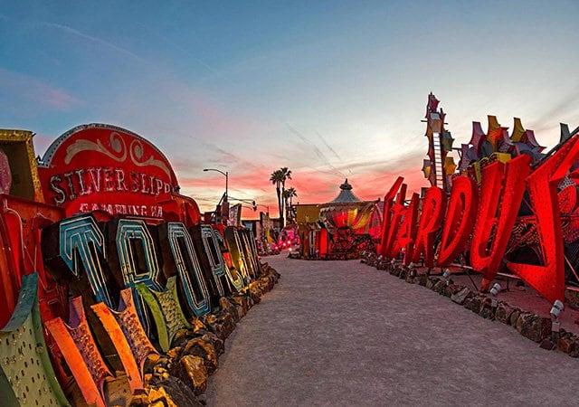 Museu do Neon em Las Vegas e seus letreiros
