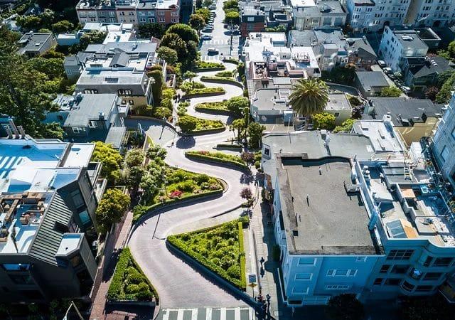 Rua Lombard Street em San Francisco na Califórnia