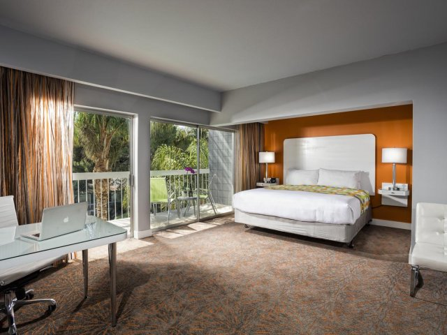 quarto-hotel-sportsmens-lodge-Los-Angeles