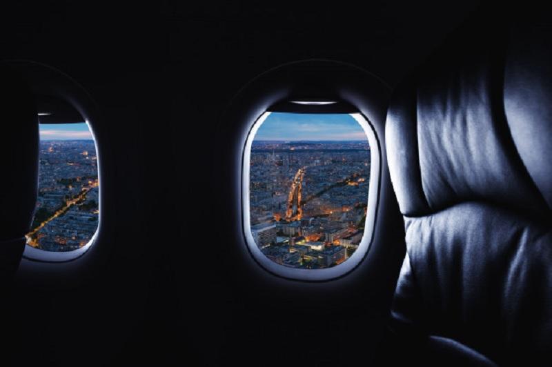 Paisagem do interior do avião