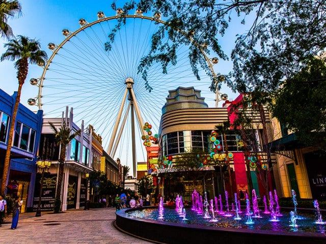 Complexo The LINQ e a maior roda gigante do mundo em Las Vegas